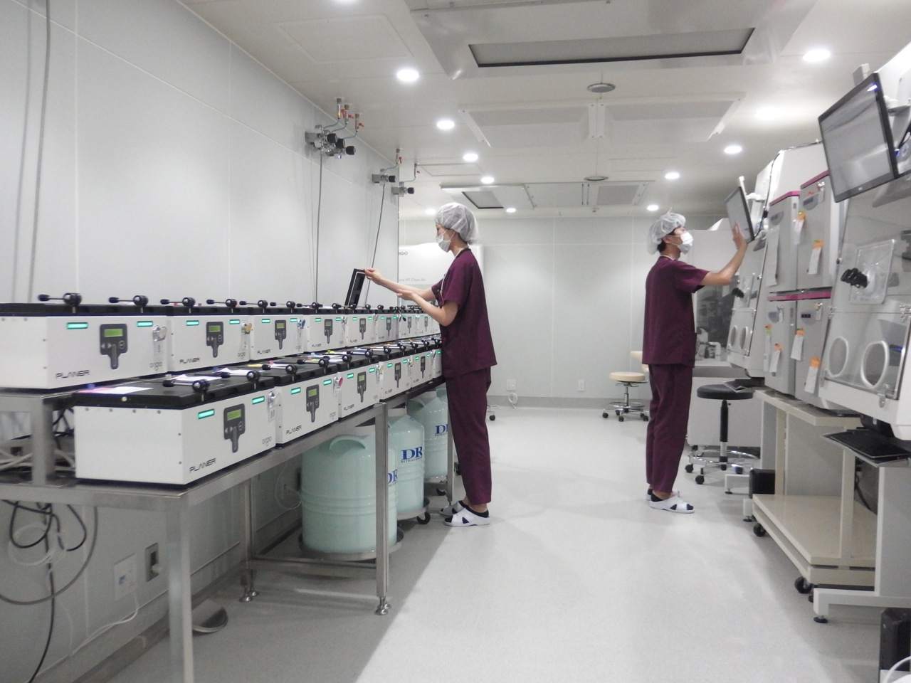Incubators in the Reproduction Clinic Osaka